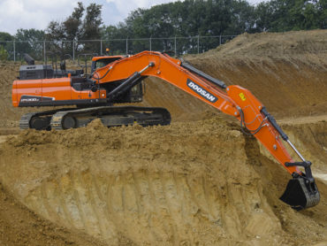 2015-17_Doosan_DX300LC-5_Excavator_Sand_Orange_536093_1280x847